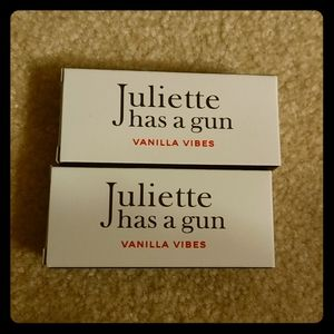 Juliette has a gun spray x 2